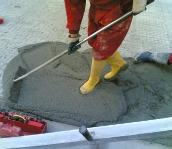 FLOOR Q – Rifacimento corticale di una pavimentazione in calcestruzzo